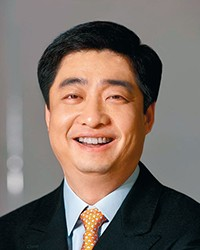 Headshot of Ken Hu
